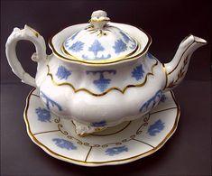 "English Teapot & Teapot Stand, ""Chameleon Group"", Lilac ..."