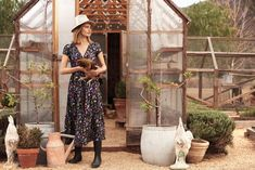 Somerset Collection 2018 Video from Stevie Howell Studio on Vimeo. Somerset Collection, Eco Friendly House, Home Textile, Silk Dress, Lounge Wear, Product Launch, Studio, Wallpaper, Dresses
