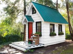 Add big style to a kids' backyard playhouse with budget-friendly do-it-yourself updates.