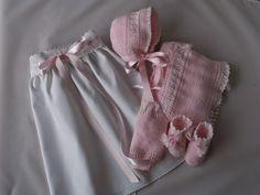 delicado trajecito para bebes tejidos a punto tricot