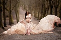 Dusty pink Parachute Dress made for use with pregnancy clients in mind - Maternity Portraits, Maternity Photography, Parachute Dress, 36 Weeks Pregnant, Big Skirts, Hampstead Heath, London Photography, Haute Couture Fashion, West London