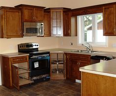 u shaped kitchens like the layout hate everything else haha