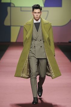 Han Seung Soo    for VanHart di Albazar F/W 2015 at Seoul Fashion Week