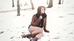 Katie Joanne En La Nieve
