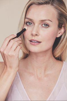 Flawless Makeup, Beauty Makeup, Hair Beauty, Natural Makeup Looks, Natural Looks, Natural Beauty, Gloss Eyeshadow, Eyeshadow Palette, Lip Gloss