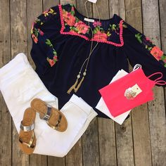 Here's a super cute outfit to start your Friday with! #Floral #Top $29.99 S-L #FlyingMonkey #SkinnyJeans $64.99 26-29 #Sandals $19.99 5.5-8.5, 9&10 #Necklace $12.99 #Earrings $9.99 We #ship! Call us today! 903.322.4316 #shopdcs #instashop #instafashion #s