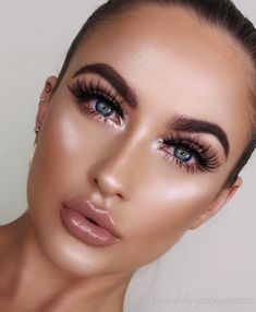 Pageant and Prom Makeup Inspiration. Find more beautiful makeup looks with Pageant Planet. Glam Makeup, Bold Lip Makeup, Smokey Eye Makeup, Bridal Makeup, Wedding Makeup, Makeup Tips, Hair Makeup, Makeup Products, Makeup Art