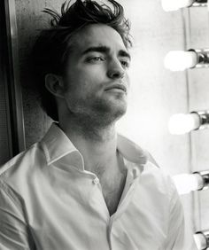 Robert Pattinson, Yes, I know he is to young. No, there isnt a point in this thought where I care!  Oh my..