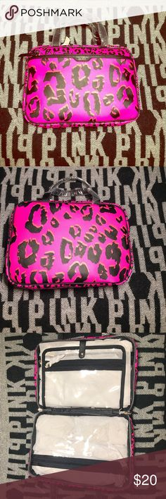 SALE💕 VICTORIA SECRET PINK CHETTAH MAKE UP CASE Brand new with tags retail 45 ships fast ships today no trades thanks for looking💕 PINK Victoria's Secret Bags Cosmetic Bags & Cases