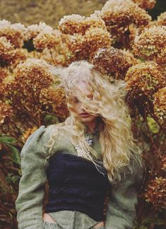 """leah-cultice: """" Frederikke Sofie by Mert and Marcus for Double Magazine Spring/Summer 2016 """" Fashion Photography Inspiration, Editorial Photography, Portrait Photography, Photography Flowers, Photography Styles, Boho Inspiration, Wedding Inspiration, Wedding Photography, Kreative Portraits"""