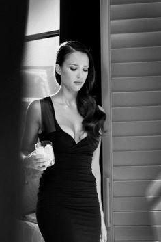 Jessica Alba; dress, hair.