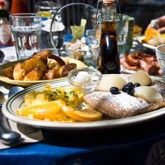 With 2.5 million people living in the East Bay, there's bound to be some impeccable brunches.
