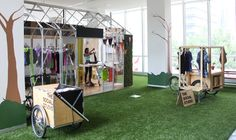 Pop-Ups and Shops green house Exhibition Display, Exhibition Space, Stand And Deliver, Arch Interior, Party Hacks, Exhibit Design, Shop Fronts, Love Design, Retail Design