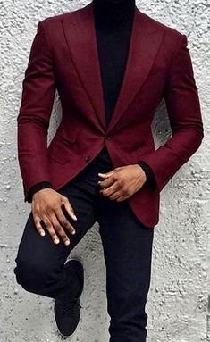 What Are The Looks One Can Achieve With A Burgundy Blazer is part of Suit fashion - Burgundy suit might seem like a big commitment so you can always opt for a Burgundy Blazer or suit jacket instead Here are the looks you can opt for Mens Fashion Suits, Mens Suits, Black Men In Suits, Fashion Mode, Fashion Outfits, Male Fashion, Fashion Wear, Fashion Clothes, Trendy Outfits