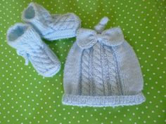 Knit Baby Hat Beanie and Booties Set Newborn by Pitusa on Etsy