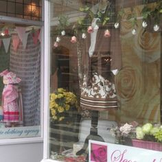 VM takes centre stage in Bradford-on-Avon windows competition - Retail Design World