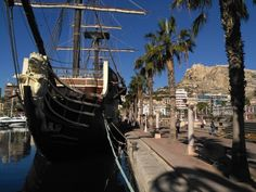 Puerto de Alicante, España.