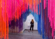 For his first solo exhibition in the US, architect Diébédo Francis Kéré has created a rainbow-coloured installation made of thin strands of rope Stage Design, Event Design, Ceiling Installation, Art Installations, Instalation Art, Philadelphia Museum Of Art, Exhibition, Rainbow Art, Design Blog