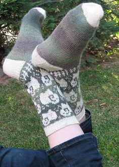 Ravelry: christhalinette's Sheep may safely graze 2/26. Someone please make theses for me!!!