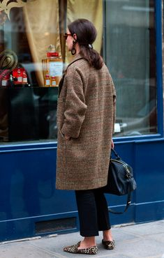 The Sartorialist - leopard loafers The Sartorialist, Looks Chic, Looks Style, Style Me, Daily Style, Mode Outfits, Casual Outfits, Casual Pants, Fashion Mode