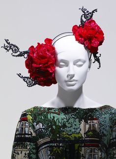 """The Master of Millinery: Stephen Jones head piece sets the stage for this """"going Japanese"""" wedding inspiration Stephen Jones, Fancy Hats, Floral Headbands, Rose Headband, Uk Fashion, Jones Fashion, High Fashion, Flower Hats, Tribal Fusion"""