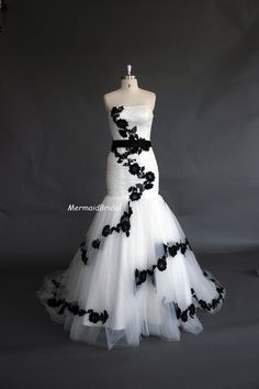 Fit and Flare lace applique Wedding dress, Wedding gowns, Vintage wedding dresses, wedding gowns. $369.99, via Etsy.