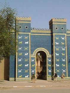 The Ishtar Gate - Babylon, Iraq. ICON of Mesopotamian Architecture. Ancient Mesopotamia, Ancient Civilizations, Mystery Of History, Art History, Glazed Brick, Baghdad Iraq, Christian World, Sacred Architecture, Place Of Worship