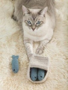 Tea with Shira Episode #24: Knit and Crochet Cat Toys!