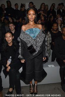 Fashion Week New York : Rihanna, Beyoncé, Kim Kardashian au show de Kanye West #people #stars #rihanna http://fashions-addict.com/Fashion-Week-New-York-Rihanna-Beyonce-Kim-Kardashian-au-show-de-Kanye-West_408___15468.html