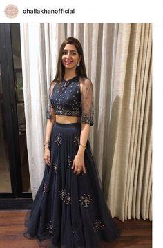 New ideas sangeet Indian Gowns Dresses, Pakistani Dresses, Net Dresses, Evening Dresses, Lehenga Designs, Saree Blouse Designs, Indian Attire, Indian Outfits, Indian Designer Outfits