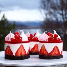 2,887 mentions J'aime, 44 commentaires – Cathrine MK (@glitteriine) sur Instagram : « Mini Strawberry Cheesecakes with a view Have a beautiful weekend #glitteriine… »