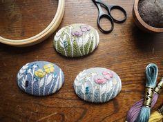 Handmade Crafts, Diy Crafts, Crochet Decoration, Embroidery Art, Needlepoint, Diy Jewelry, Embellishments, Cross Stitch, Arts And Crafts