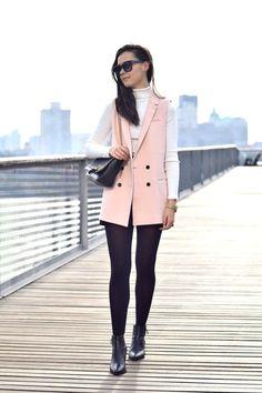 How to wear a Pink Sleeveless Blazer Sleeveless Blazer Outfit, Pink Blazer Outfits, Vest Outfits, Fashion Outfits, Outfits Mujer, Office Outfits, Blazers For Women, Winter Outfits, Clothes For Women