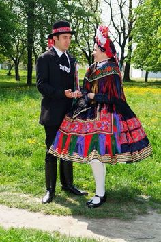 Costume and Embroidery of Sárköz, Hungary The Man Show, European Costumes, Costumes Around The World, Linen Apron, Folk Dance, Types Of Embroidery, Folk Costume, Geometric Designs, Girls Wear