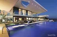 """The Villa Sow House is another dream home designed by SAOTA – Stefan Antoni Olmesdahl Truen Architects, a Cape Town-based studio. This two-story contemporary residence was completed in 2011 and is located in Dakar, Senegal. Villa Sow by SAOTA: """"Brief. Dream Home Design, Modern House Design, My Dream Home, Dream Homes, Life Design, House And Home Magazine, Pool Houses, Glass Houses, Beach Houses"""