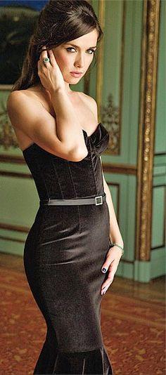 женщины в обтягивающем белье видео нд
