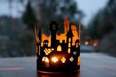 Burg silhouette Schloss / Teelicht Laterne / Schattenspiel / Winter / Windlicht / Waldorf / Jahreszeitentisch Castle Silhouette, Shadow Play, Led Candles, Tea Lights, Lanterns, Nature Table, Seasons, St John's, Arts And Crafts