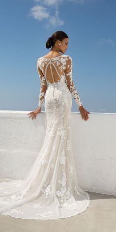 Wedding Dress 88008 by Justin Alexander - Search our photo gallery for pictures of wedding dresses by Justin Alexander. Find the perfect dress with recent Justin Alexander photos. Lace Wedding Dress, Fit And Flare Wedding Dress, Dream Wedding Dresses, Bridal Dresses, Wedding Gowns, Wedding Dresses Slim Fit, Timeless Wedding Dresses, Boho Wedding, Reception Dresses