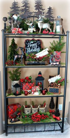 99 Welcoming and Cozy Christmas Entryway Decoration Ideas - Christmas Entryway, Farmhouse Christmas Decor, Noel Christmas, Rustic Christmas, Winter Christmas, Christmas Wreaths, Christmas Crafts, Christmas Island, Christmas Ideas