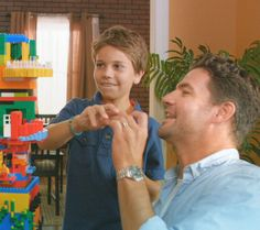 Lego building ideas for families, broken down by age, level of difficulty, etc. Brought to you by Chevrolet Traverse. Lego Challenge, Challenge Ideas, Awesome Lego, Cool Lego, Play Ideas, Lego Ideas, Building Ideas, Building Toys, Lego Programming