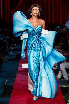 Moschino at Milan Fashion Week Spring 2017 - Runway Photos