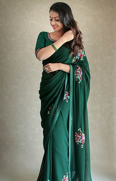 We are very much aware of changing fashion trends and we keep that in our designing. Trendy Sarees, Stylish Sarees, Stylish Dresses, Kurti Embroidery Design, Hand Embroidery Dress, Kalamkari Dresses, Saree Models, Saree Photoshoot, Ethnic Looks