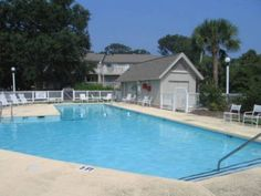 Lagoon Villa 4 Villa Isle of Palms (South Carolina) Located in Island of Palms in the South Carolina Region, this villa is 19 km from Charleston. The property boasts views of the pool and is 39 km from Kiawah Island. Free WiFi is available throughout the property.