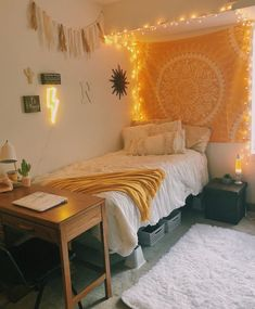 39 Cute Dorm Rooms We're Obsessing Over Right Now - By Sophia Lee - this dorm room decor just makes me happy! Informations About 39 Cute Dorm Rooms We're Obsessing O - Dorm Color Schemes, Dorm Colors, Teen Room Colors, Paint Colors, Cute Room Ideas, Cute Room Decor, Doorm Room Ideas, Room Ideas Bedroom, Teen Bed Room Ideas