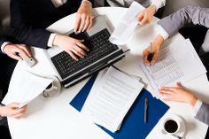 3 poziomy organizacji konferencji: 1. Poziom strategiczny 2. Poziom taktyczny 3. Poziom operacyjny Więcej w artykule: http://www.konferencje.pl/artykuly/art,774,3-poziomy-organizacji-konferencji.html