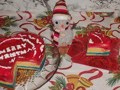 Lulu - Povesti din Bucatarie: Tort de sarbatoarea Romaniei Christmas Ornaments, Holiday Decor, Home Decor, Decoration Home, Room Decor, Christmas Jewelry, Christmas Decorations, Home Interior Design, Christmas Decor