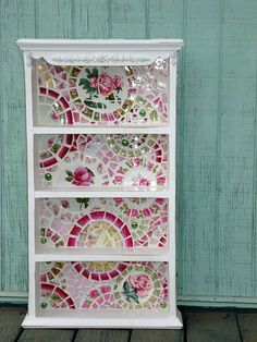 I love this china mosaic. I think the back of shelves is an area I need to consider
