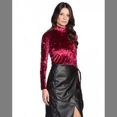 Amei e Vocês ???   BLUSA MANGA COMPRIDA VELUDO MOLHADO de 16990 por... <3 GANHE MAIS DESCONTO ? CLIQUE AQUI!  http://imaginariodamulher.com.br/look/?go=2qDqee0  #achadinhos #modafeminina#modafashion  #tendencia #modaonline #moda #instamoda #lookfashion #blogdemoda #imaginariodamulher