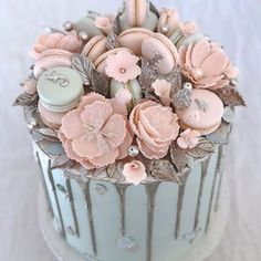 Drip Cake with a Crown Jewel Cake, Happy Birthday, Birthday Cake, Wedding Cakes With Cupcakes, Baby Shower Cookies, Drip Cakes, Cake Table, Sugar Flowers, Edible Art