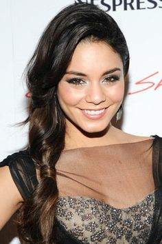 Come See Vanessa Hudgens's Super-Pretty Turquoise Hair!